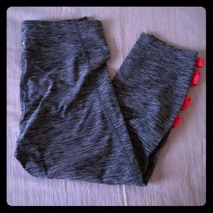 EXPRESS Core grey/pink crop leggings; Size Medium